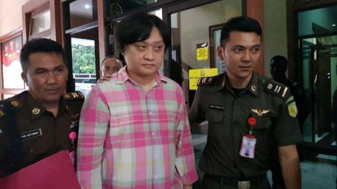 Kejaksaan Negeri Bandung menahan Direktur Utama PT Hastuka Sarana Karya, Andi Winarto, di Rumah Tahanan Kebonwaru, Bandung, Selasa, 4 Desember 2018.