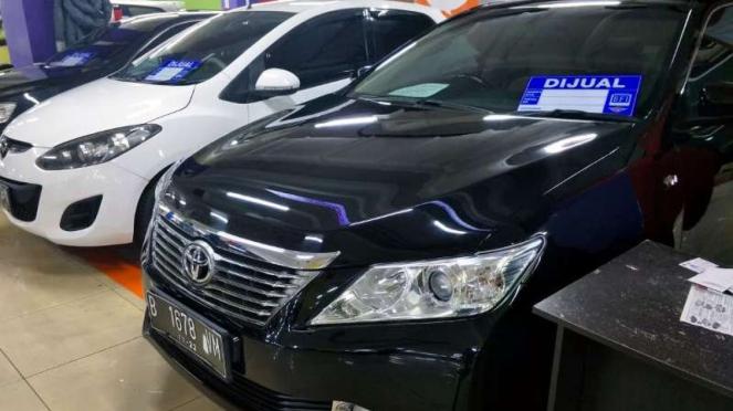 Melihat Harga Sedan Toyota Camry Di Pasaran Mobil Bekas