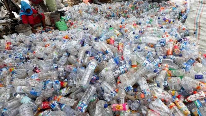Jangan Buang Sembarangan, Ada Cara Asyik Kumpulkan Sampah Plastik