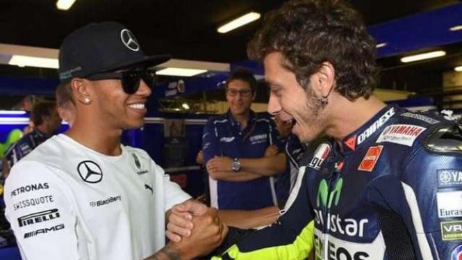 Pembalap Formula 1, Lewis Hamilton dan legenda MotoGP, Valentino Rossi