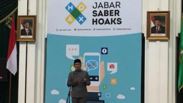 Gubernur Jawa Barat, Ridwan Kamil meresmikan Tim Jabar Saber Hoaks