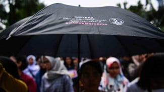 Ilustrasi masyarakat dari berbagai aliansi melakukan aksi damai bertajuk stop kekerasan seksual anak. Aksi digelar di Jalan Medan Merdeka Barat, Jakarta