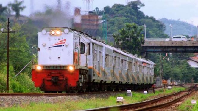 Kereta api di wilayah Daop IV Semarang/Ilustrasi.