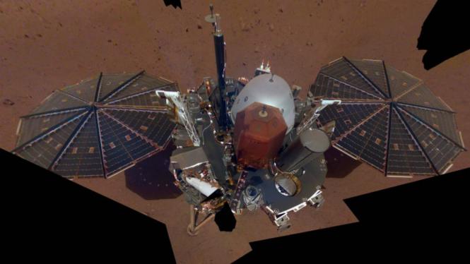 Foto selfie probe InSight di Planet Mars.
