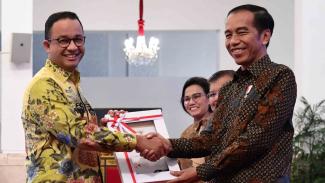 Presiden Joko Widodo (kanan).