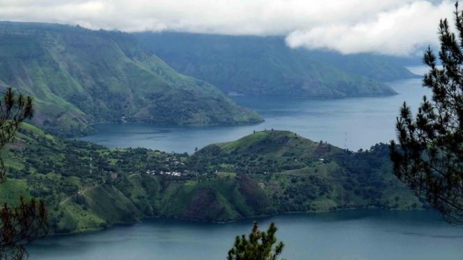 Panorama Danau Toba salah satu dari 10 Bali Baru Indonesia