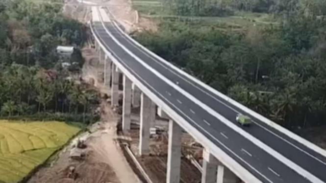 Jembatan Tol Kali Kenteng, Ruas Salatiga-Kartasura, Jawa Tengah.