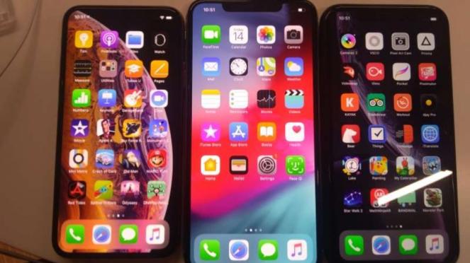 iPhone XS, XS Max, dan XR.
