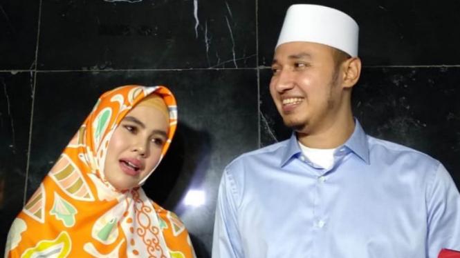 Kartika Putri dan Habib Usman.