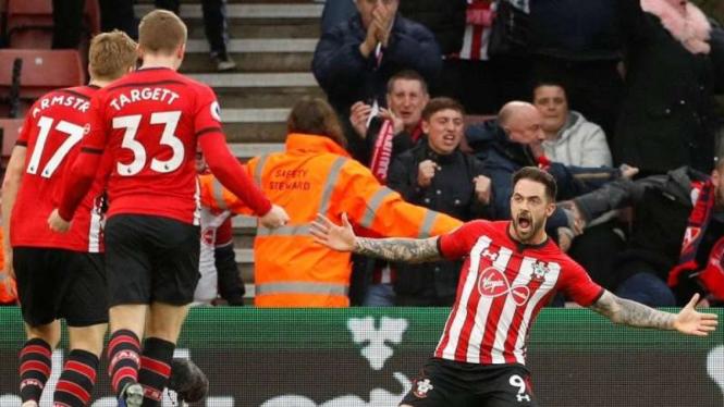 Penyerang Southampton, Danny Ings, melakukan selebrasi usai mencetak gol