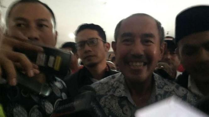 Mantan bupati Bandung Barat Abubakar usai sidang perkara suap yang didakwakan kepadanya di Pengadilan Negeri Kelas 1A Khusus Bandung, Jawa Barat, Senin, 17 Desember 2018.