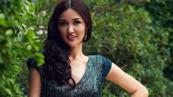 Sonia Fergina Citra Memukau Di Ajang Miss Universe 2018