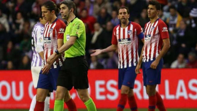Bek Atletico Madrid, Filipe Luis (kiri)