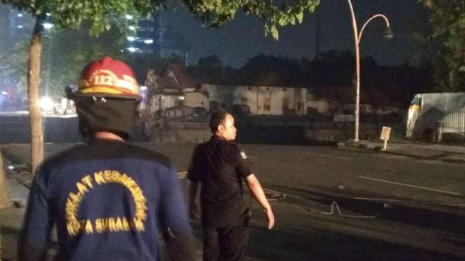 Ngeri, Begini Penampakan Lubang Besar Jalan Ambles Di Gubeng Surabaya