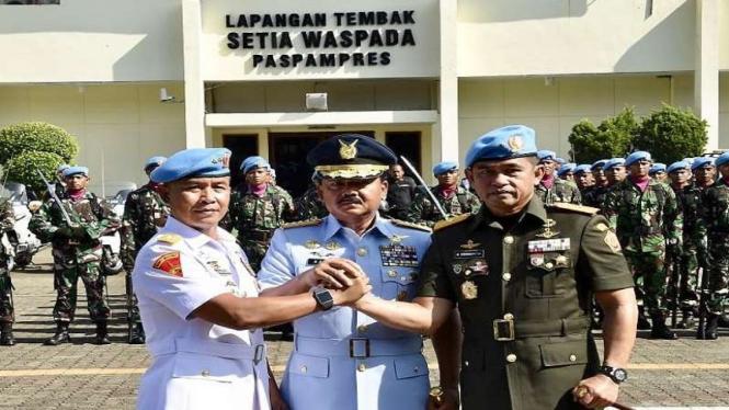 Sertijab Danpaspampres dari Mayjen Suhartono ke Brigjen Maruli Simanjuntak