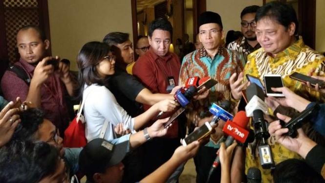 Tuan Guru Bajang dan Ketua Umum Partai Golkar, Airlangga Hartarto.