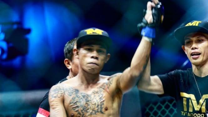 Reinaldo Kasibulan kalahkan Doan Birawa di One Pride Fight Night 25