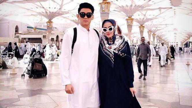 Ifan Seventeen dan istri