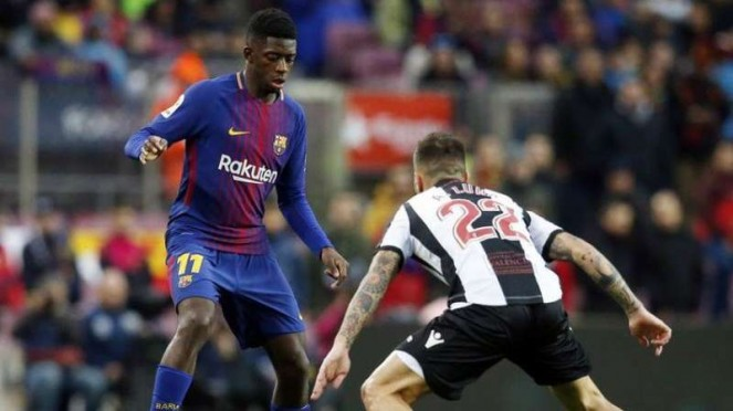 Pemain Barcelona, Ousmane Dembele (kiri)