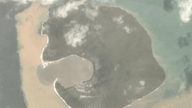 Citra Gunung Anak Krakatau dari Satelit PlanetLabs
