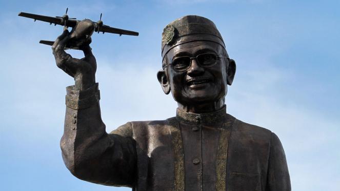 Pembangunan Patung BJ Habibie
