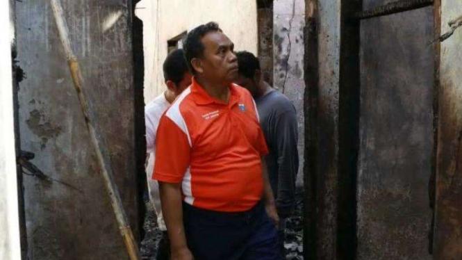 Sekretaris Daerah Provinsi DKI Jakarta Saefullah meninjau kebakaran di Tambora
