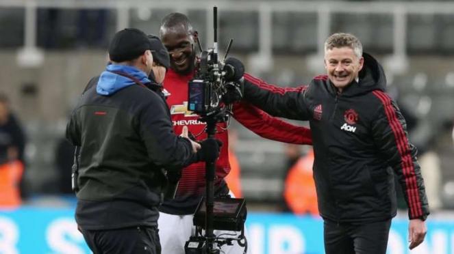 Manajer Manchester United, Ole Gunnard Solskjaer (kanan)