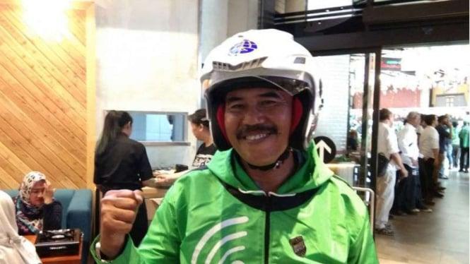 Mulyono, pengemudi pertama Gojek dengan nomor registrasi 001.