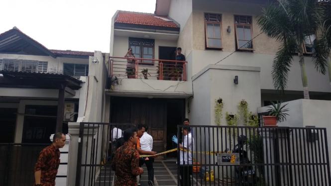 Pelemparan bom molotov di rumah Wakil Ketua KPK Laode Muhammad Syarif
