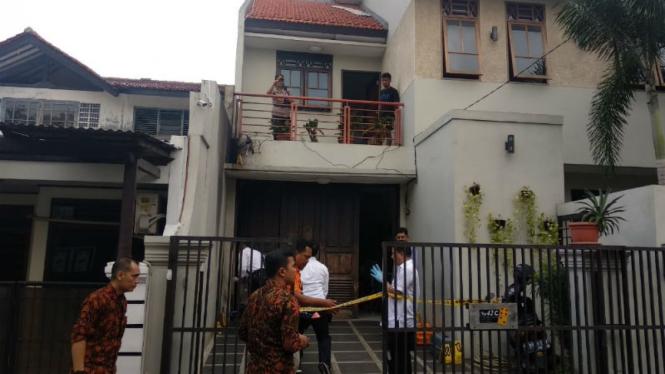 Polisi datangi rumah wakil ketua KPK yang juga dilempar bom molotov
