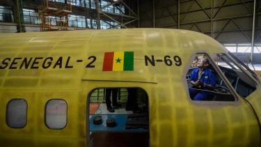 Proyeksi Pertumbuhan Industri Manufaktur, pesawat CN235-220