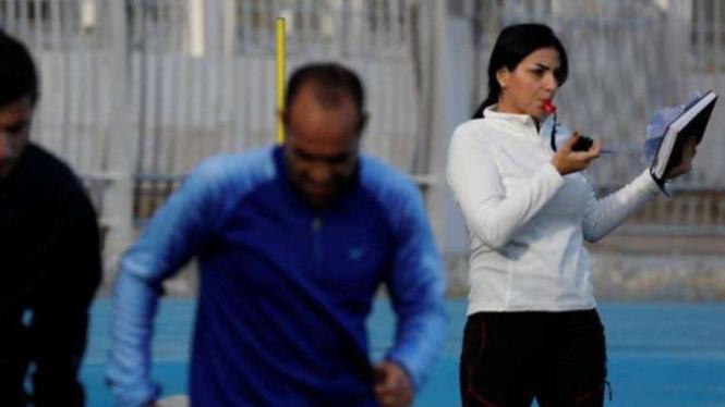 Pelatih cantik Al Muhafaza, Maha Jannoud