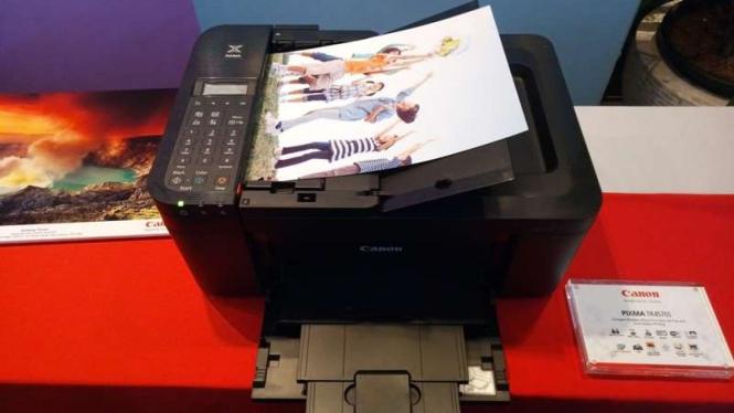 Printer Canon Pixma TR4570s.
