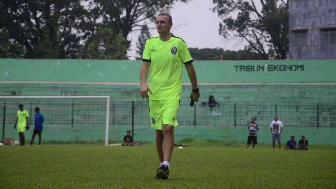 Milomir Seslija, pelatih Arema FC