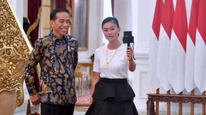 Presiden Joko Widodo dan Agnez Mo