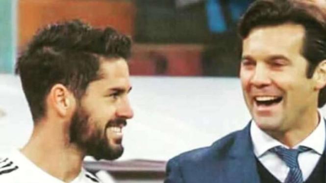 Pelatih Real Madrid, Santiago Solari (kanan) dan Isco (kiri).