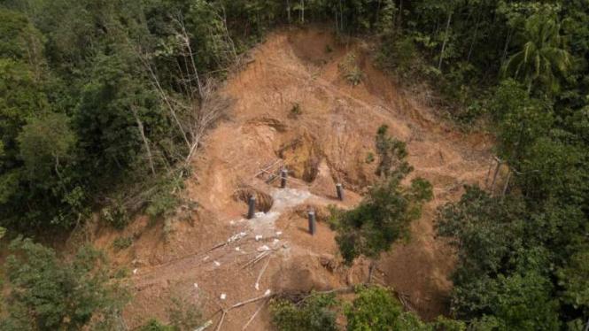 Sebuah permukiman berisiko tinggi terdampak tanah longsor di Jorong Sampu, Nagari Lubuk Gadang Utara, Kecamatan Sangir, Kabupaten Solok Selatan, Sumatera Barat.