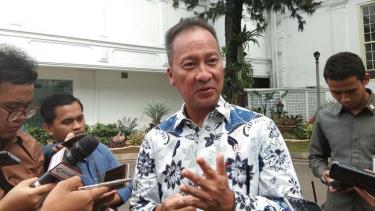 Menteri  Sosial Agus Gumiwang di kantor Presiden
