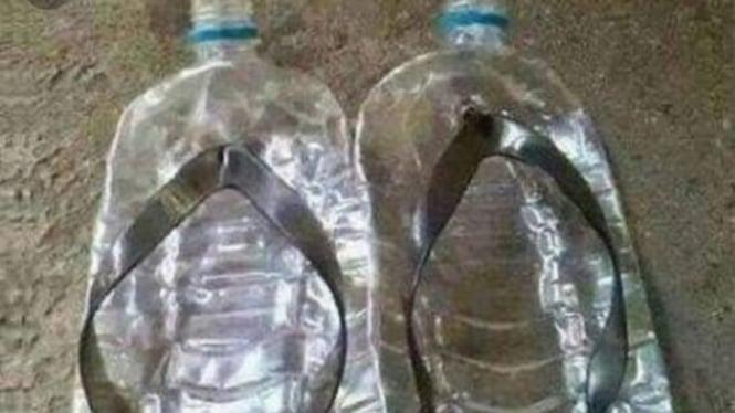 Sandal Dari Botol Plastik Bekas Dijual Ratusan Ribu Rupiah