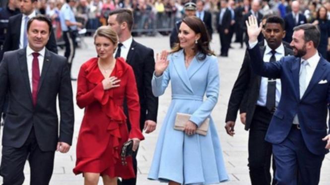 Meghan Markle Dan Kate Middleton Bawa Tas Di Tangan Kiri, Kenapa?