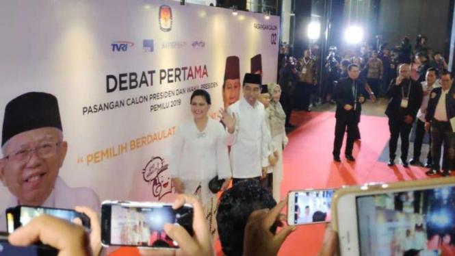Tiba Di Lokasi, Jokowi-ma'ruf Didampingi Istri