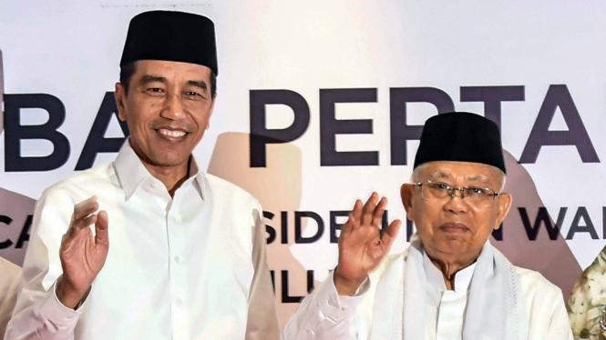 Capres-cawapres nomor urut 01 Joko Widodo-Ma'ruf Amin tiba untuk mengikuti debat pertama Pilpres 2019, di Hotel Bidakara, Jakarta, Kamis, 17 Januari 2019.