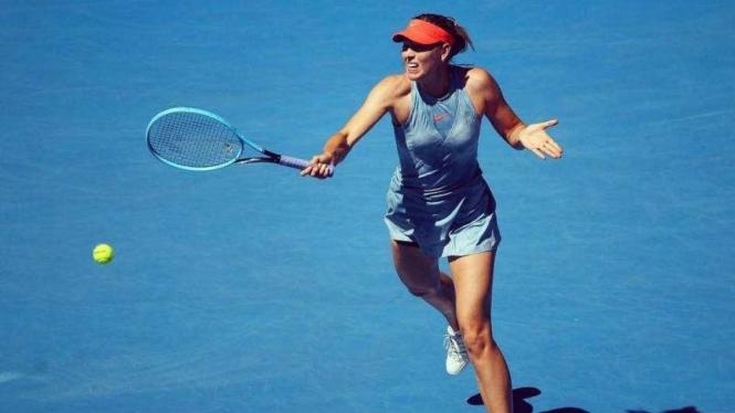 Duel Sengit Di Rod Laver Arena, Si Cantik Sharapova Bekuk Wozniacki