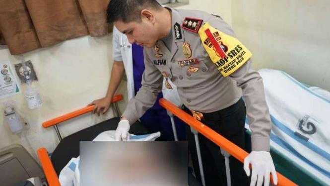 Pegang Tiang Berlistrik, 4 Orang Tewas Di Probolinggo