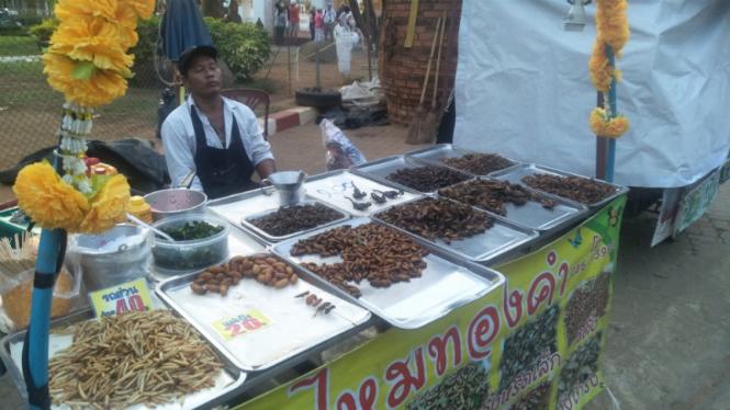 Menjajal Kuliner Ekstrem Thailand Dari Ulat Hingga Kalanjengking