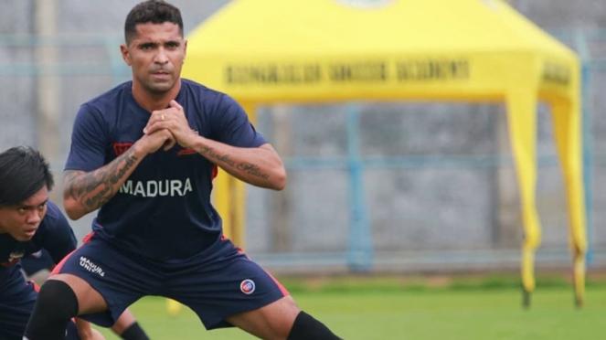 Penyerang anyar Madura United, Alberto Goncalves