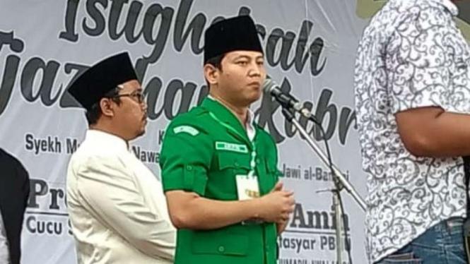 Wakil Bupati Trenggalek Muhammad Nur Arifin alias Gus Ipin dalam acara istigasah di Trenggalek, Jawa Timur, pada Selasa, 22 Januari 2019.
