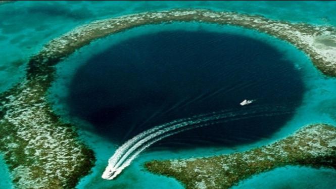 Ekspedisi Menguak Isi Lubang Besar Great Blue Hole