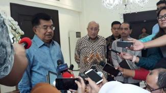 https://thumb.viva.co.id/media/frontend/thumbs3/2019/01/22/5c46db8769e63-wakil-presiden-jusuf-kalla-di-jakarta-selasa-22-januari-2019_325_183.jpg