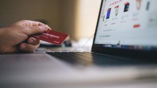 Belanja online.